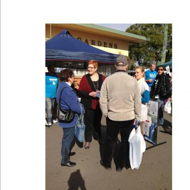 Marise and Liberal candidate for Lindsay, Fiona Scott, talk to local shoppers at Penrith Paceway Markets